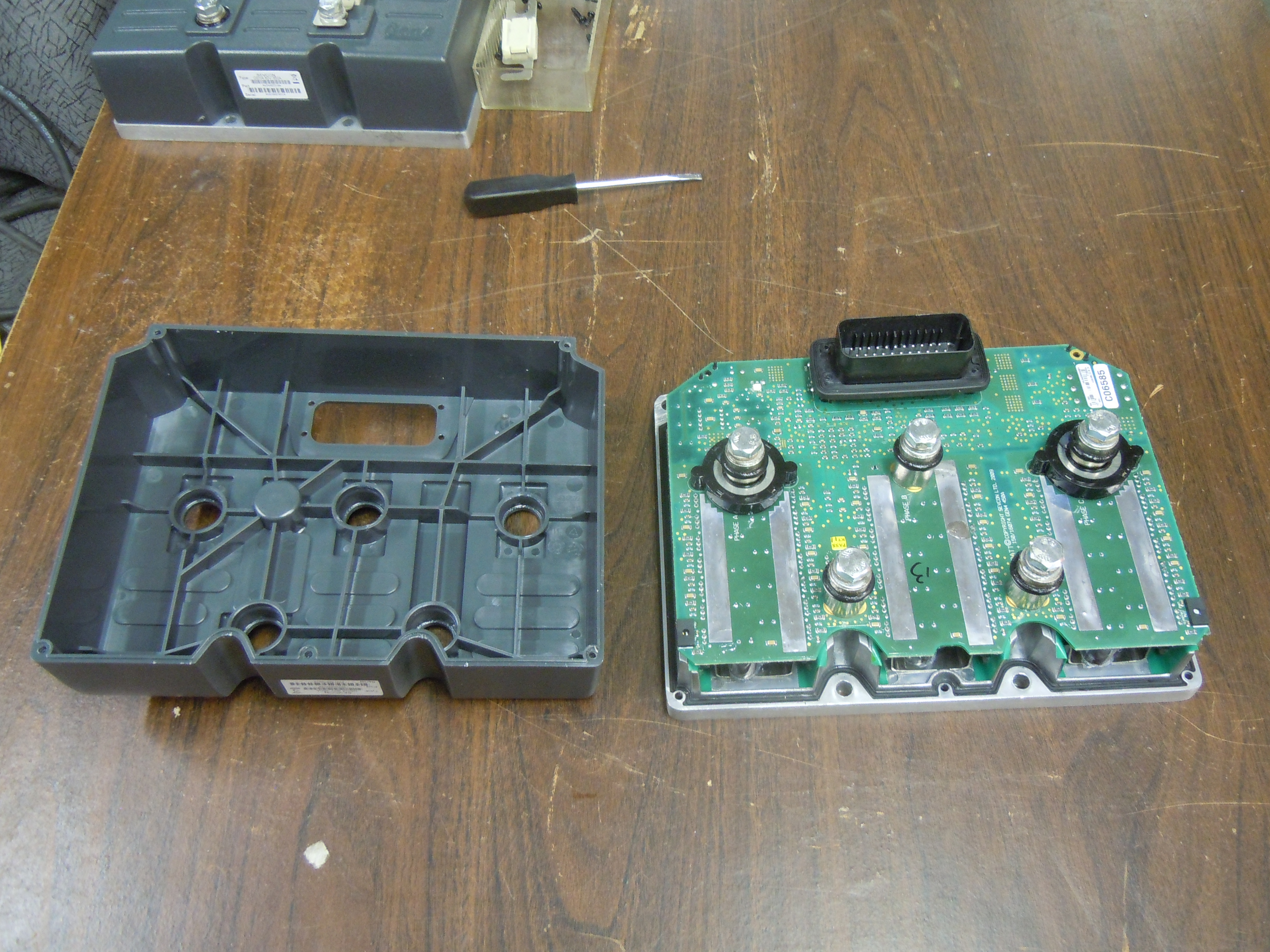 Sevcon Gen4 AC motor controller teardown | ω₀ Labs